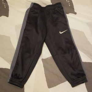 [Nike] 3t boys fleece lined joggers
